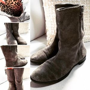 Michelle D Ankle High Suede Boots Slouchy Sz 8M